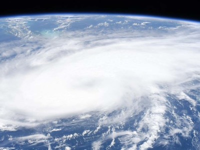 El huracán Laura toca tierra en Estados Unidos