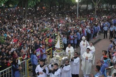 Caacupé: de 4,5 millones de fieles en 9 días a lo mínimo, barajan para días de la Virgen