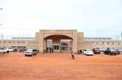 Cárcel de Misiones; los tres grupos de guardiacárceles están en cuarentena