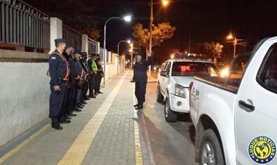 """Ocho detenidos en barreras """"anticovid"""" en Luque •"""