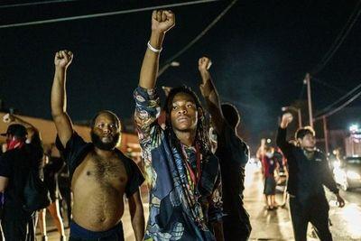 La ira por el racismo en EE.UU. resurge con manifestaciones y boicots