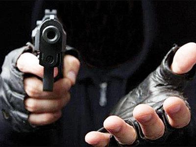 Policías mau asaltan vivienda y roban celulares por valor de 15.000 dólares