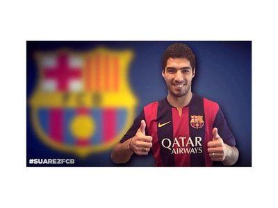 Luis Suárez viajó a España para sumarse al Barcelona