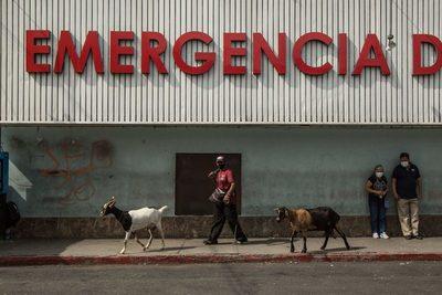 Guatemala cumple un mes de reapertura sin variación en la tendencia de la COVID-19