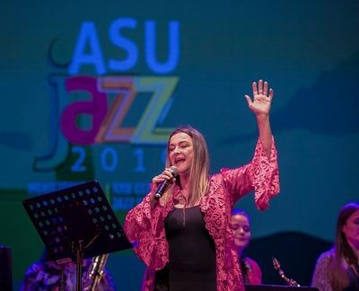 Festival argentino Jazzvedra contará con la participación de la cantante Martina Leclercq