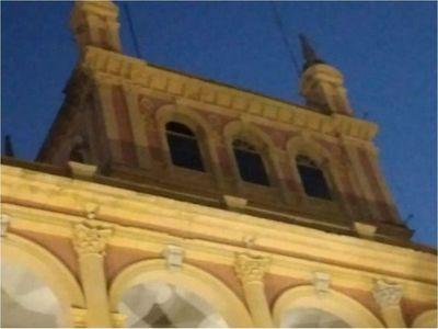 El Palacio de López comienza a caerse y urgen restauración