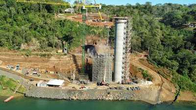 Avanza construcción del Puente de la Integración