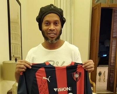 """Ronaldinho dice que paso por Paraguay fue """"una etapa difícil"""""""
