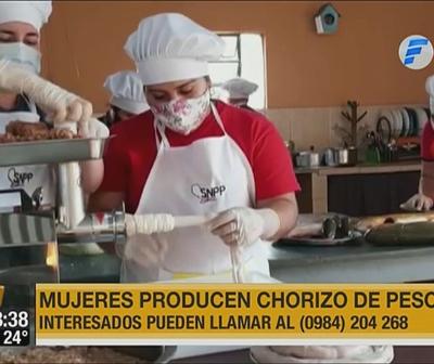 Producen chorizo de pescado para tener ingresos y alimentar a sus familias