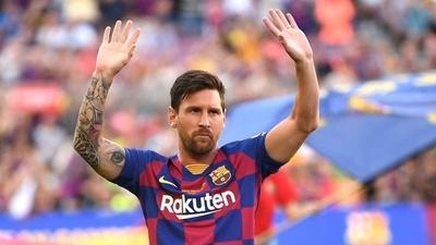 """HOY / El PSG ha llamado al clan Messi pero él quiere el Manchester, dice """"L'Équipe"""""""