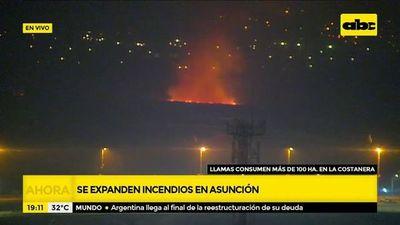 Pese a insoportables humo, siguen quemas incontrolables en bahía de Asunción