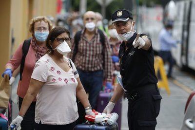 Unos 6.000 peruanos que quedaron desempleados en el extranjero serán repatriados