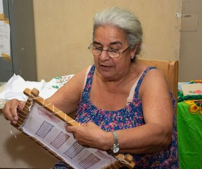 Con 66 años aprende a leer y escribir dentro del Buen Pastor