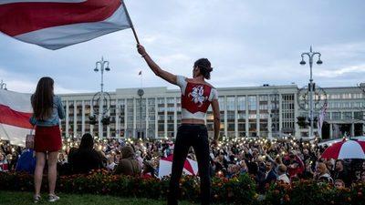 Bielorrusia prohíbe a los periodistas extranjeros mientras Putin respalda el voto impugnado