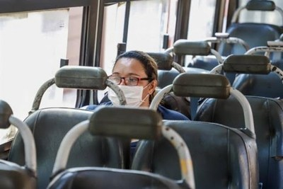 Ante riesgo de contagio en buses, sugieren recurrir a transportes escolares