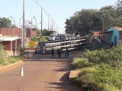 Camión vuelca con 46 ganados en Pedro Juan Caballero