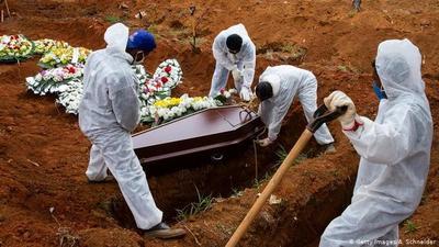 Brasil rebasa las 120.000 muertes por COVID-19
