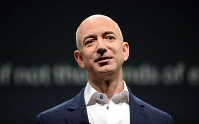 El club de ricos liderado por Jeff Bezos alza su poder