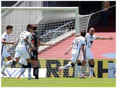 Cocoliso González marca en la victoria de Pumas