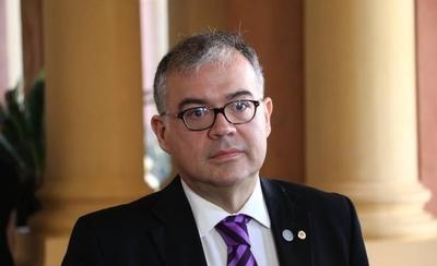 HOY / Julio Ullón confirma que dio positivo a prueba de COVID-19