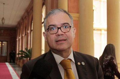 Julio Ullón confirma que dio positivo a prueba de COVID-19