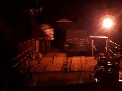 Dos accidentes en un día  en  balsa precaria que opera en río Ñacunday