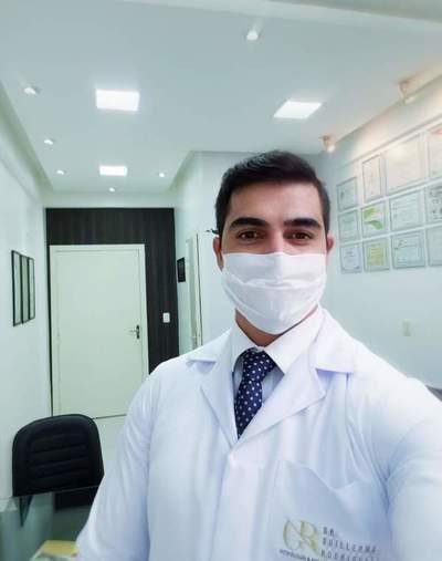 """Ministerio de Salud censura a médico """"influencer"""" de CDE"""