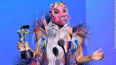 Lady Gaga se lleva cinco galardones en la noche de los VMAs