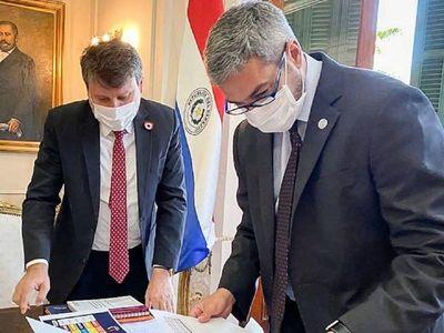 """Mario Abdo advierte """"castigo implacable"""" por incendios forestales"""