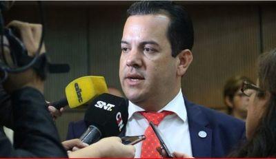 Friedmann presentó renuncia al cargo de Ministro de Agricultura y Ganadería
