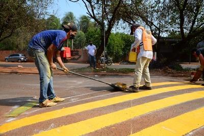 Reparan entorno de Lago de la República con obreros municipales