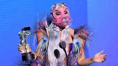 HOY / Los 5 premios de Lady Gaga y sus originales mascarillas protagonizan los VMA