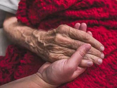 COVID-19 en hogar de ancianos: dos  abuelos dieron positivo, uno está internado