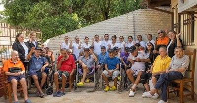 """La Nación / COVID-19 llega a Fundación San Joaquín y Santa Ana: """"Abuelitos necesitan con suma urgencia oxígeno"""""""