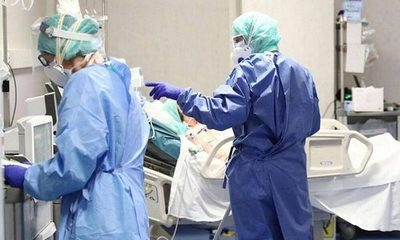 Más de 500 médicos están con coronavirus