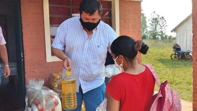 MUNICIPALIDAD DE ALTO VERÁ ENTREGÓ KITS DE ALIMENTOS A FAMILIAS DE ESCOLARES