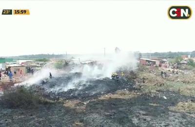 Incendio forestal de gran magnitud en Bañado Sur