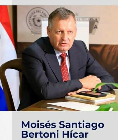 Abdo Benítez designa a bisnieto de Moisés Bertoni como ministro de Agricultura