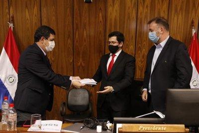 Ejecutivo presentó al Congreso el proyecto de Carrera del Servicio Civil