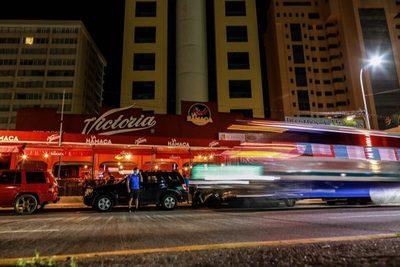 Los bares y discotecas de Acapulco reabren tras meses cerrados por pandemia
