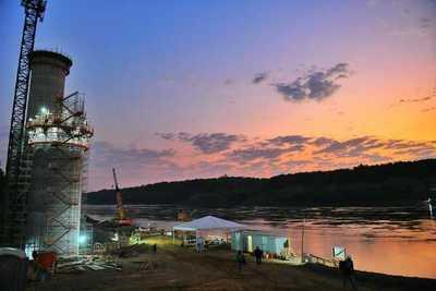 Puente de la Integración: Trabajos se centran en el montaje de la segunda columna de la torre principal