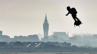 ¿Terroristas en mochilas voladoras? FBI investiga denuncia de pilotos de EE.UU