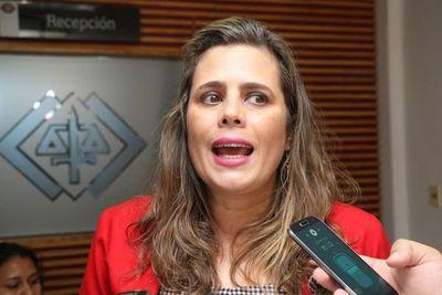 """""""En estos momentos hablar de una candidatura presidencial es hasta irrespetuoso"""", dice Kattya sobre Payo"""