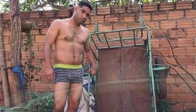 """Diputado recibió """"propuesta indecente"""" tras posar en boxer"""