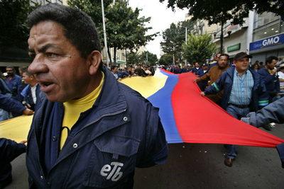 Convocan una marcha en Colombia contra un decreto que tachan de reforma laboral