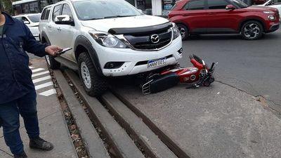 Conductor atropelló a dos motochorros tras ser testigo de un asalto