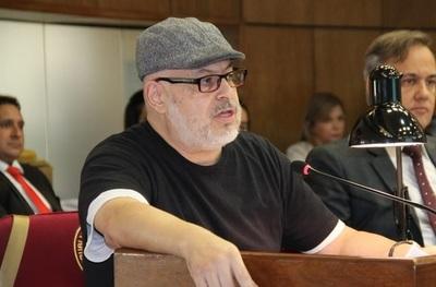 """Cubas dice que el desafuero """"es solamente una válvula de escape para la opinión pública"""""""