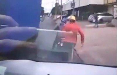 Crónica / Héroe del día: chocó y detuvo a malandros