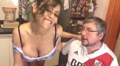 Crónica / Jenni es viral en videos kachiãi