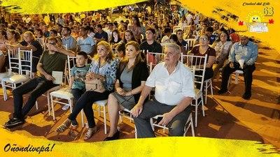 """En la comisión de FESTEJO de CDE se """"CHUPARON"""" cerveza y los Kachiporros se comieron 65 lomitos"""